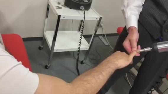 腰痛調整(手部)